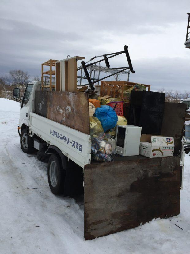青森市油川岡田で2トントラック積み放題プランでの不用品回収 施工事例紹介
